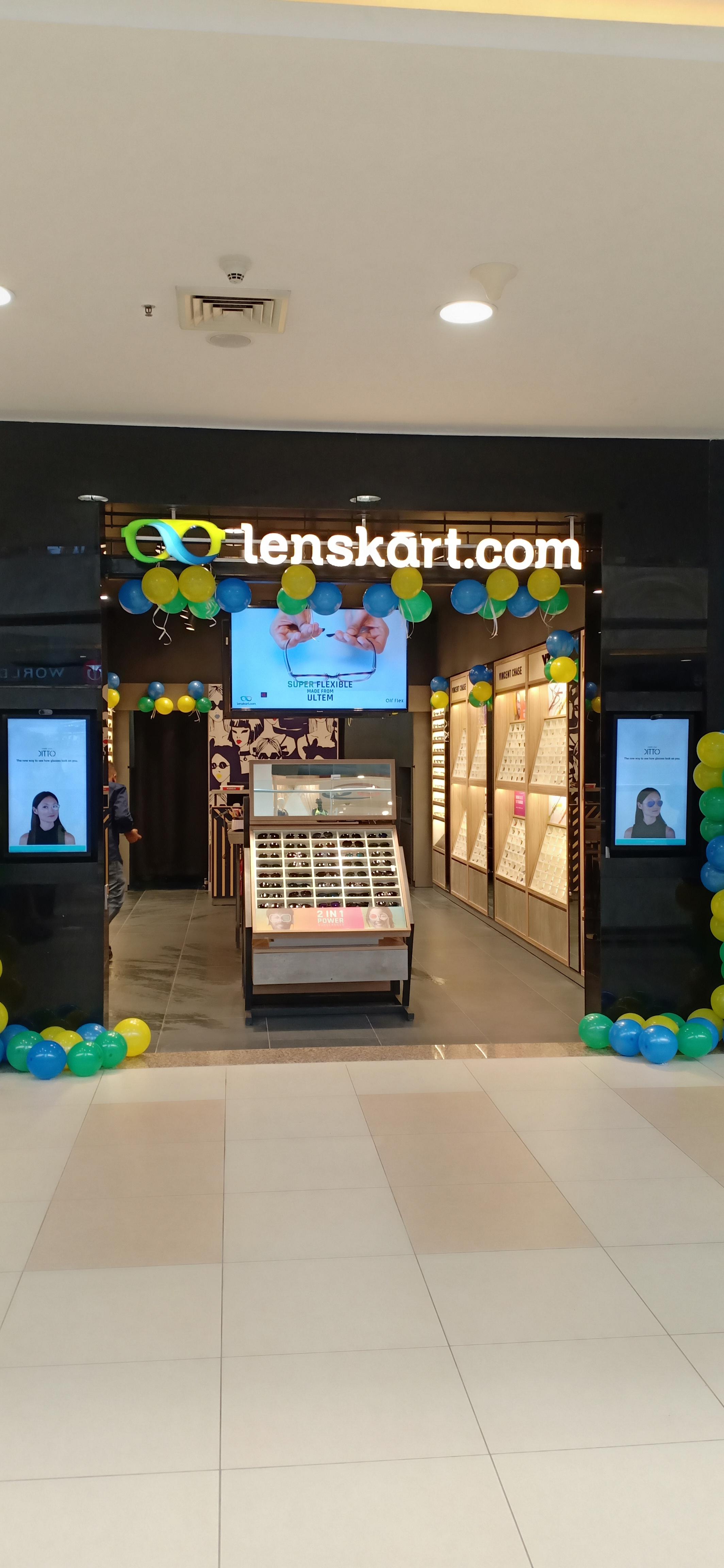 Lenskart.com - Alpha One Mall, Ahmedabad