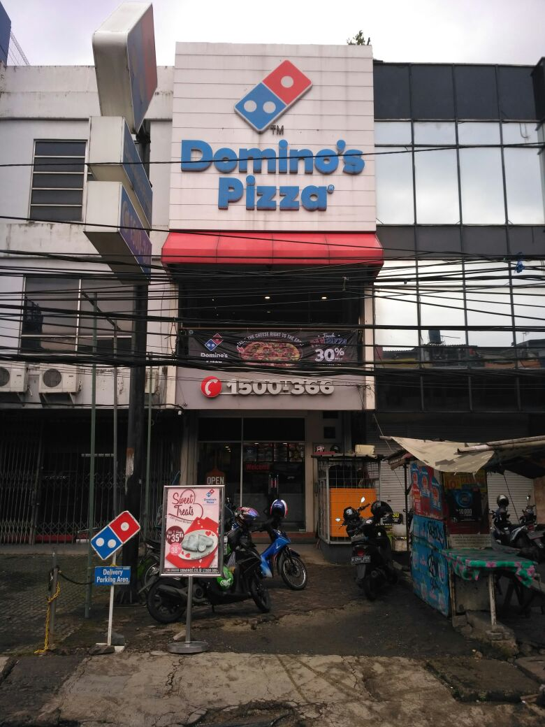 Domino's Pizza - Kelurahan Cilandak, Jakarta Selatan