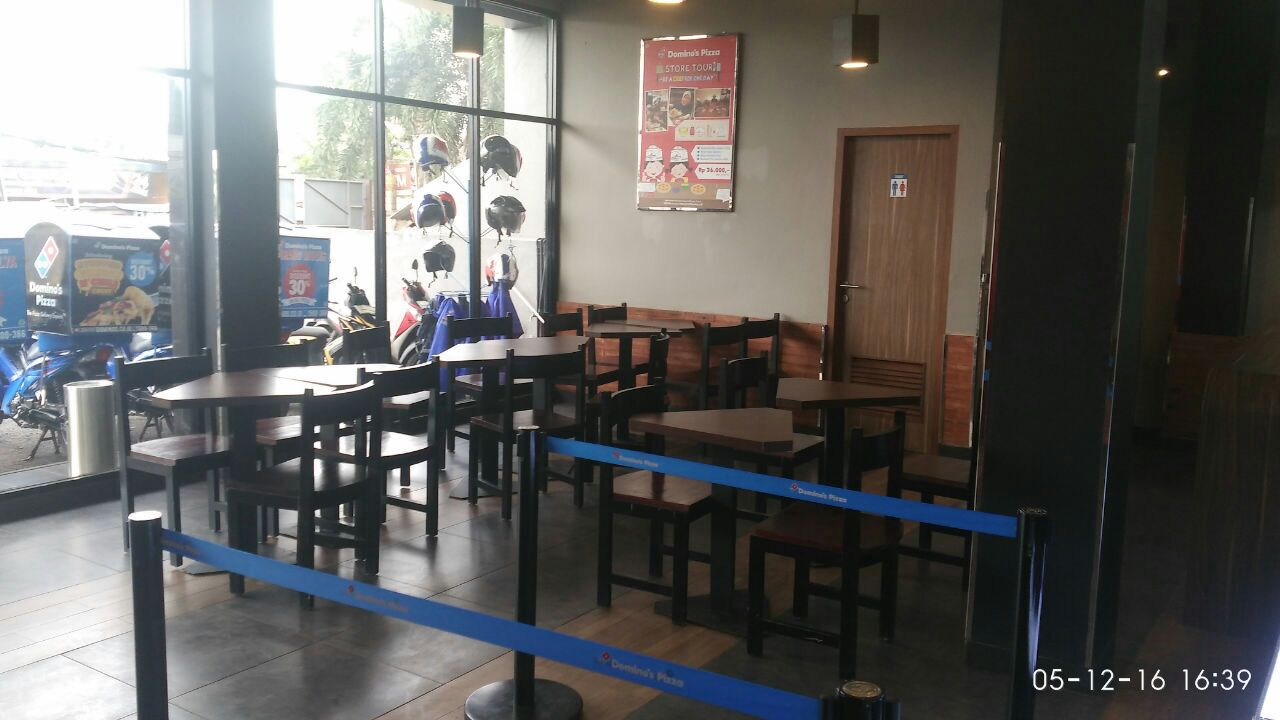 Domino's Pizza - Kec Karang Tengah, Tangerang