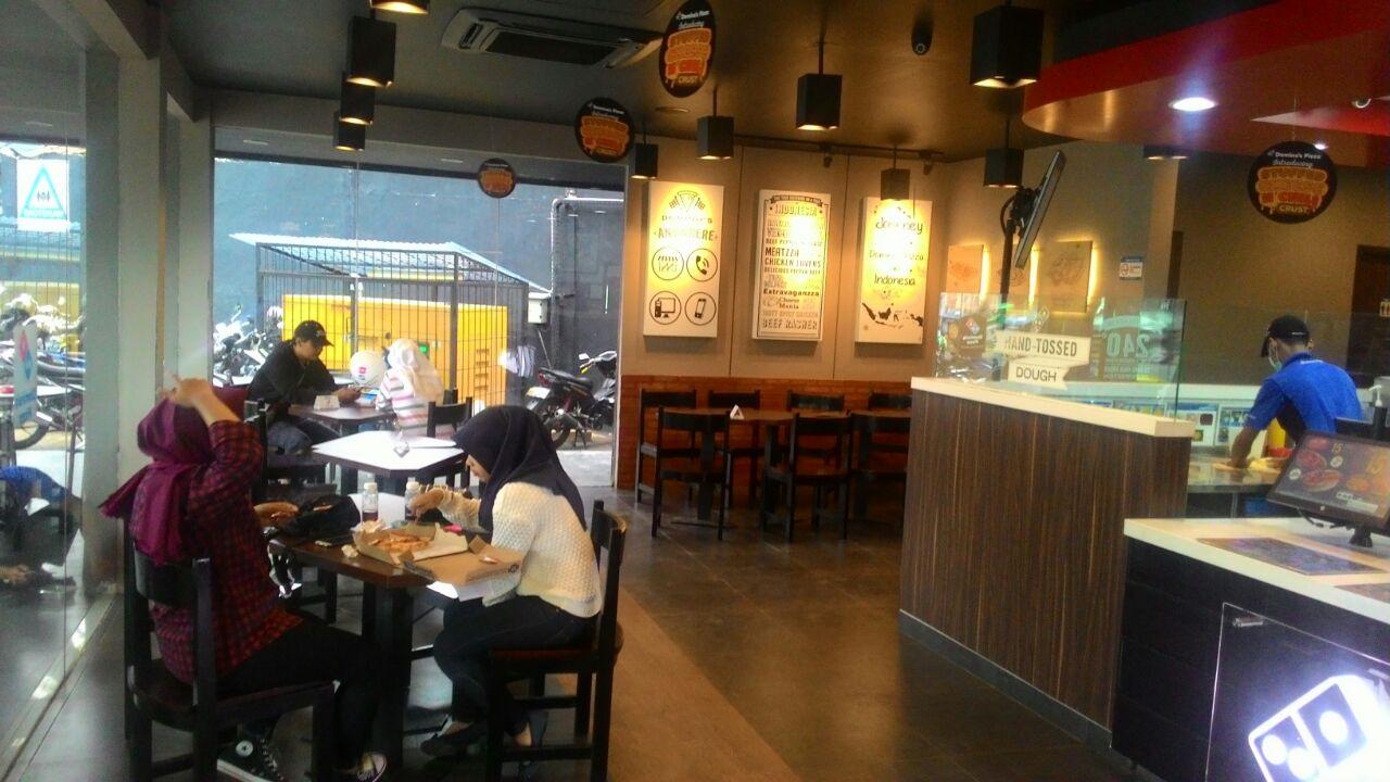 Domino's Pizza - Ciputat Timur, Tangerang Selatan