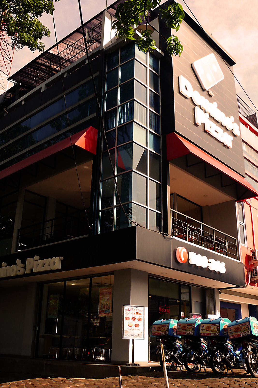 Domino's Pizza - Sukajadi, Bandung