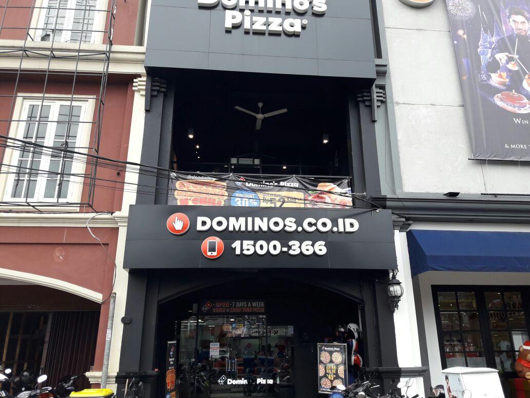 Domino's Pizza - Pondok Cina Beji, Depok