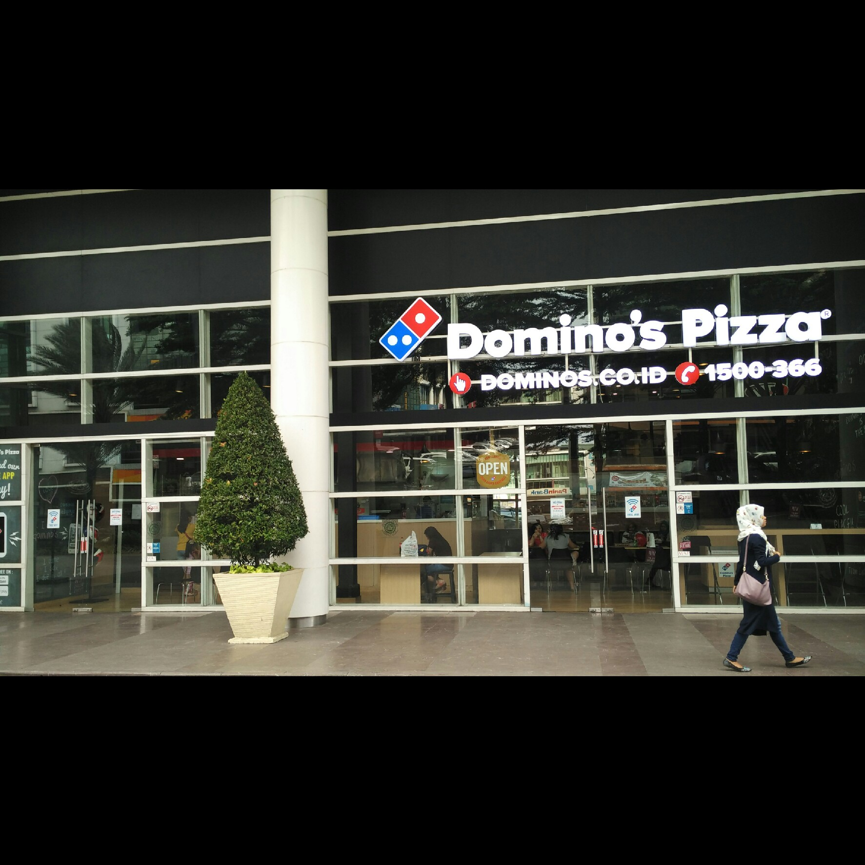 Domino's Pizza - Cikokol, Tangerang