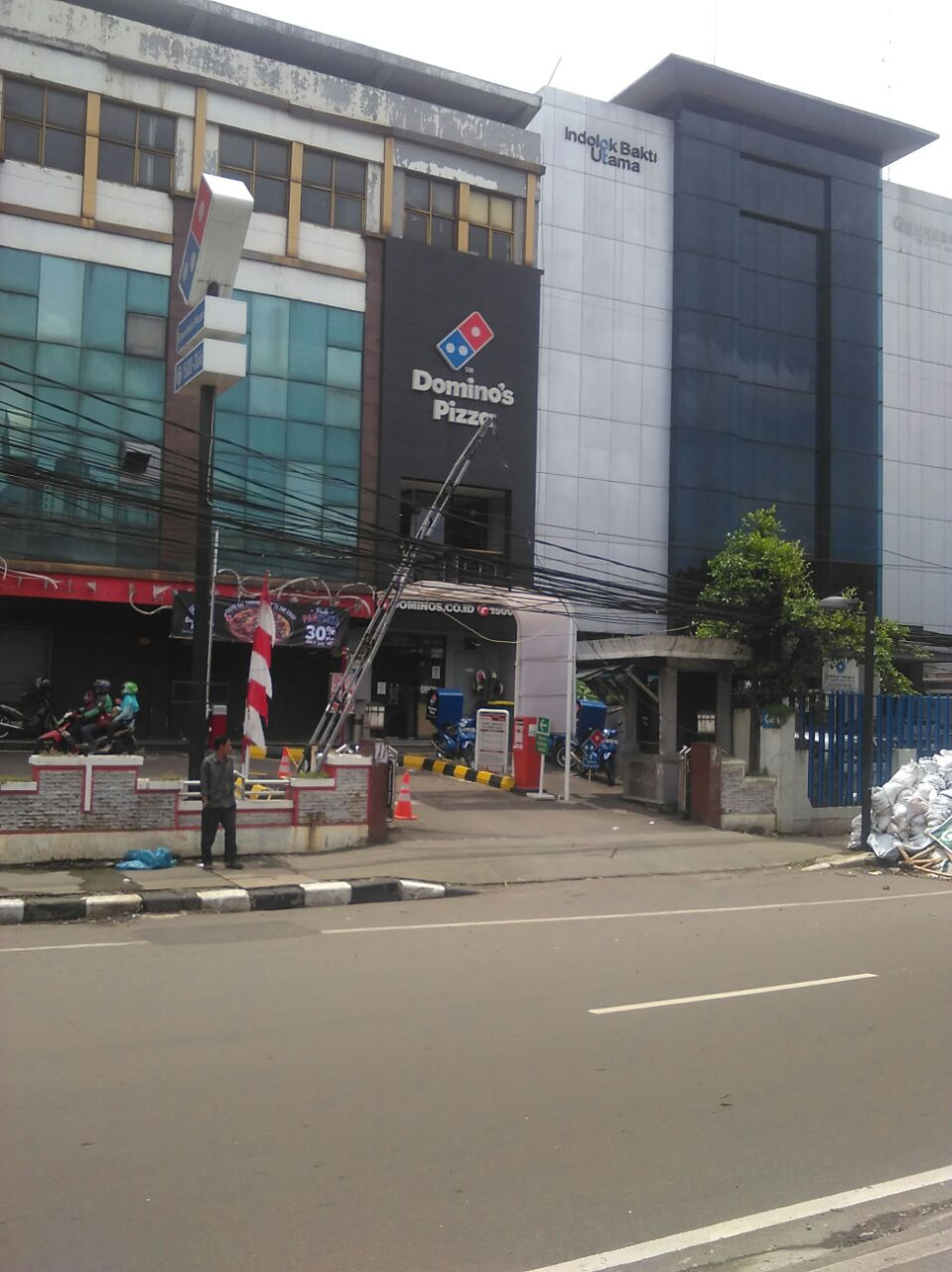 Domino's Pizza - Kec Senen, Jakarta Pusat