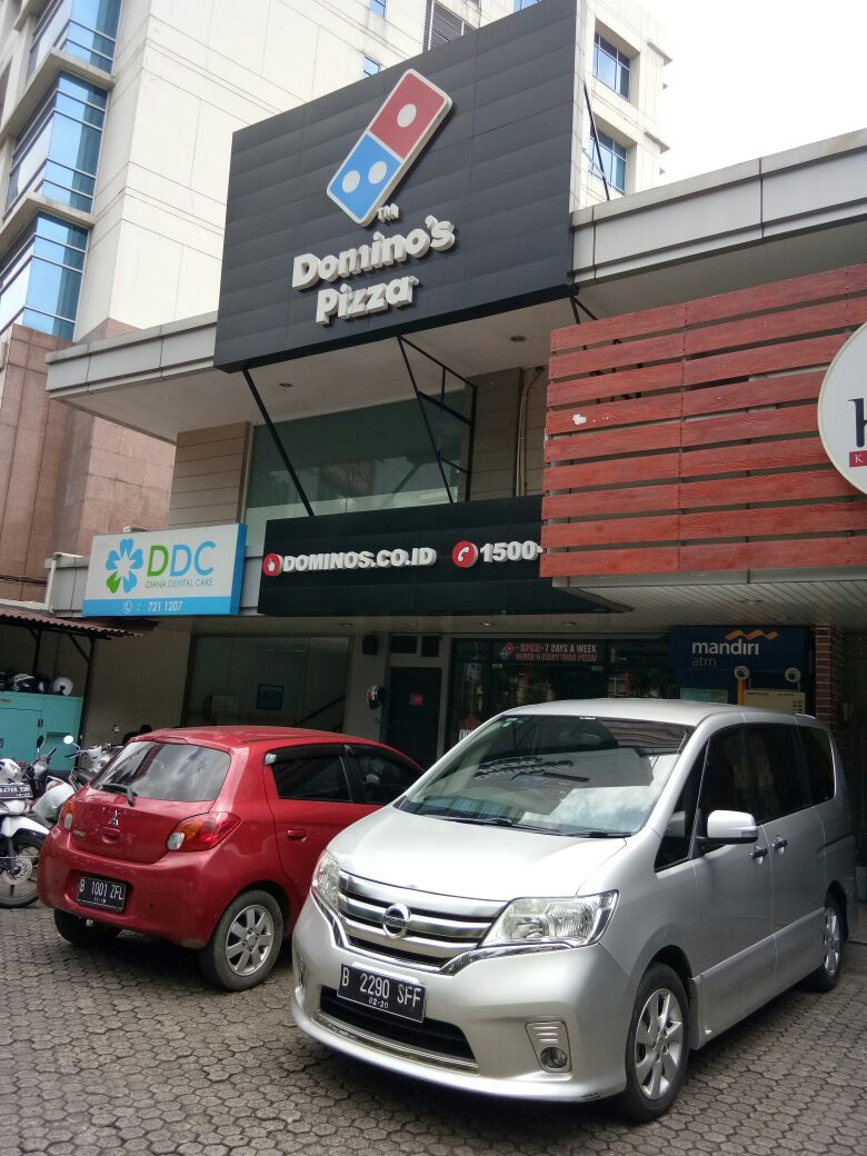 Domino's Pizza - Kec Kebayoran Baru, Jakarta Selatan