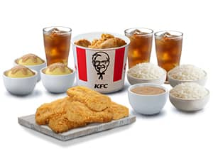 3-PC BUCKET MEAL WITH CHICKEN CHOPS